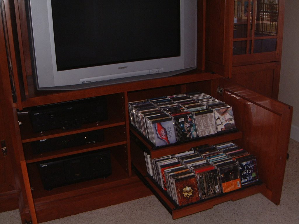 Dons Custom Longmont and Boulder Countertops and Cabinets 10a 1 1024x768 - Entertainment Center with Slide-out Media Shelves