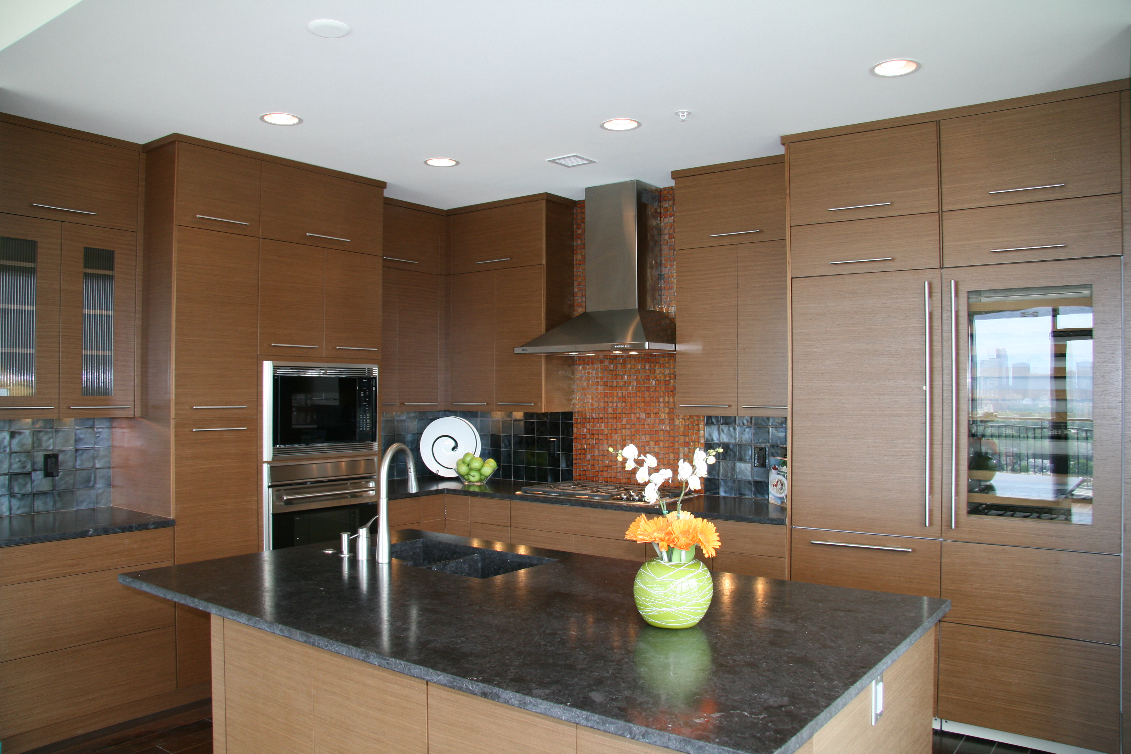 ... Dons Custom Longmont and Boulder Countertops and Cabinets 14a - Large Open Dark Kitchen Countertop &