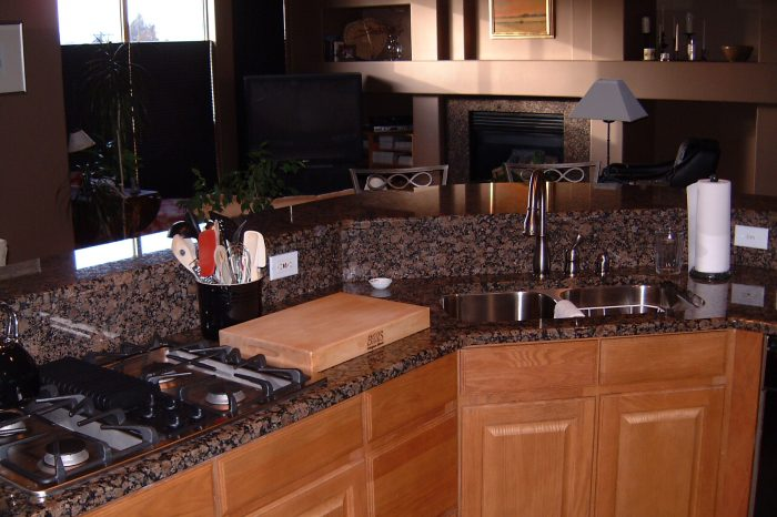 Dons Custom Longmont and Boulder Countertops and Cabinets 23a 700x466 - DC3 Gallery